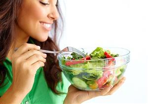 كيف تتناول كميات طعام كبيرة وتنقص وزنك في نفس الوقت؟