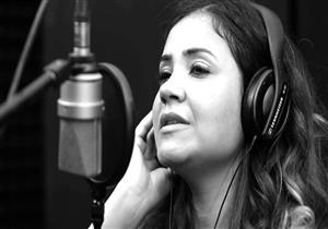 """بالفيديو - فيروز كراوية تبدع في غناء """"بره مني """""""