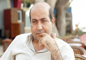 """طارق الشناوي يعلق على إعلان يسري نصر الله البحث عن وظيفة """"طباخ"""""""