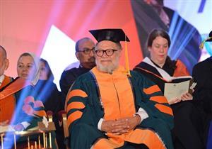 بالصور- جامعة كندية تمنح الدكتوراه الفخرية ليحيى الفخراني وحسين الجسمي