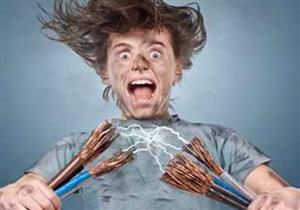 اختلف مع زوجته.. فربطها في كرسي وصعقها بالكهرباء حتى الموت