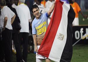أحمد حسن يحافظ على عرش عميد لاعبي العالم