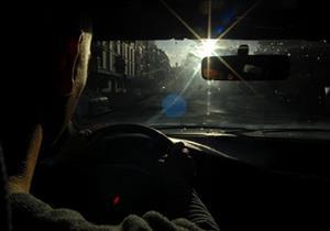 لهذا السبب.. الهيئة الألمانية تنصح بالنظارة الشمسية أثناء القيادة في الخريف