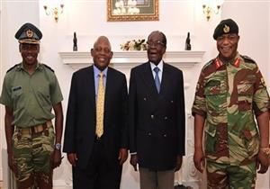 موغابي يظهر علانية لأول مرة بعد سيطرة الجيش على السلطة في زيمبابوي