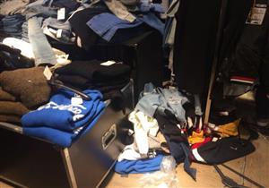 """بالصور - """"زارا"""" في سيتي ستارز.. معركة وتغيير ملابس خارج البروفه خلال """"بلاك فرايداي"""""""