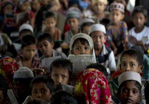 فى مشهد مؤثر.. أطفال الروهينجا يتلون القرآن خلف مبعوث الأزهر الشريف