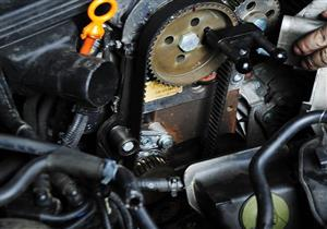 تمزق السير المسنن قد يُلحق أضرارا جسيمة بالمحرك.. احذرها