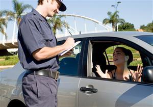 7 ابتكارات لإيقاف السيارات المخالفة للقانون بالكمائن المرورية (فيديو)