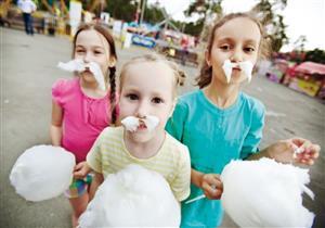 هل اشتريت لطفلك حلوى غزل البنات؟.. هذه هي نتائجها على صحته
