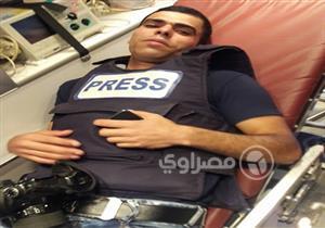"""الكاميرا في مواجهة رصاص الاحتلال.. """"حسب الله"""" يواصل التصوير رغم إصابته"""