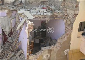 "ساعات بين الركام.. ""مصراوي"" يرصد تفاصيل انهيار عقارات روض الفرج (صور وفيديو)"