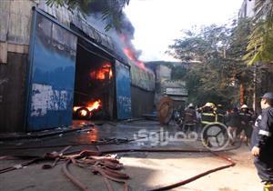 """بالصور والفيديو- ساعات الرعب في حريق مخزن كابلات"""" بباب الشعرية"""