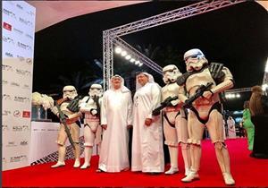 """جنود """"حرب النجوم """" على السجادة الحمراء في مهرجان دبي (صور)"""