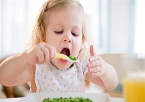احذري.. أطعمة تؤدي لانخفاض مستوى الذكاء عند الأطفال- فيديو