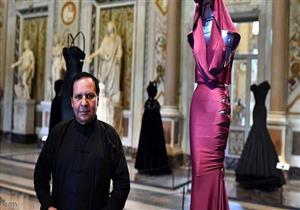 متحف في لندن يخصص معرضا لتصاميم عز الدين علية