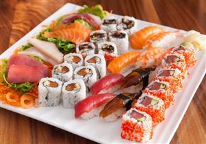 ماذا يحدث داخل جسمك عند تناول السوشي؟