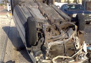 مصرع شرطي وإصابة شقيقه وزميله في انقلاب سيارة على صحراوي المنيا