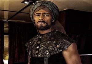 """محمد رمضان يلتقط صورة مع عروسين بموقع """"الكنز"""" -فيديو"""