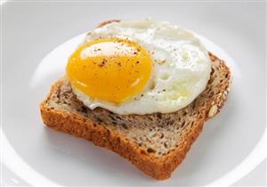 """هذا ما سيحدث لجسمك إذا تناولت البيض """"نصف سوى"""""""
