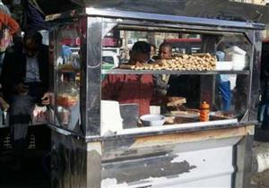 تصيبك بالتسمم.. 4 أطعمة لا تتناولها من عربة الشارع (صور)
