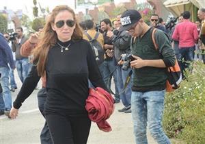 بالفيديو- ريهام سعيد تتعرض لموقف محرج أثناء التصوير مع نائب محافظ القاهرة
