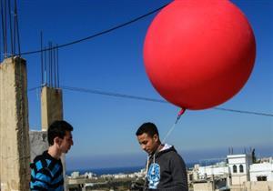 بالون وكاميرا يرسمان خريطة مخيم فلسطيني في لبنان
