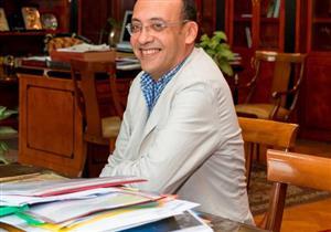 «وزير مبارك» ولعنة الدعم