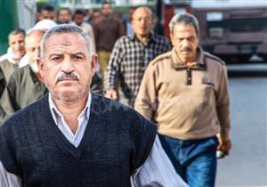 """في يوم السعادة.. 20 صورة ترصد """"تكشيرة"""" المصريين صباحاً"""