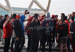 """عدسة مصراوي ترصد استقبال طائرة الأهلي بـ""""الرقص والزغاريد"""""""