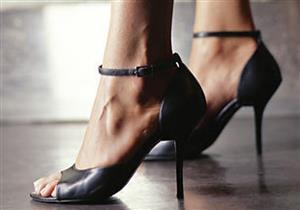 الطريقة الصحيحة لارتداء الحذاء ذو الكعب العالي