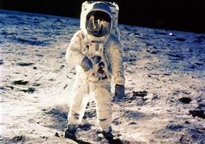 رائدان أمريكيان يجريان عملية السير في الفضاء رقم 200 في محطة الفضاء الدولية