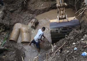 """أثريون عن نقل تمثال المطرية بـ""""ونش"""": ضعف في الامكانيات"""