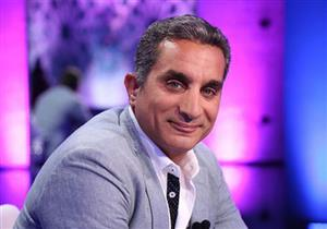 """باسم يوسف ينشر أول صورة مع مولوده الجديد """"آدم"""""""