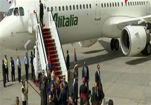 لحظة وصول بابا الفاتيكان مطار القاهرة -فيديو