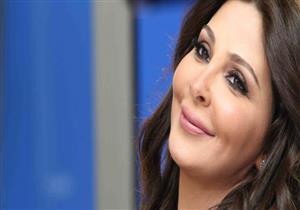 إليسا تفاجىء جمهورها بترنيمة دينية للسيدة العذراء - فيديو