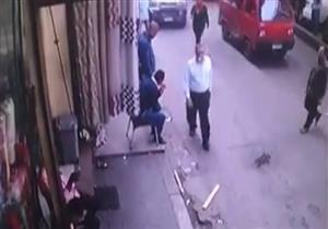 حادث دهس أثار ذعر المارة بشارع الأزهر - فيديو