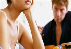 8 عادات لا تتحمَّلها النساء عند الرجال.. منها مضغ الطعام بصوت عال