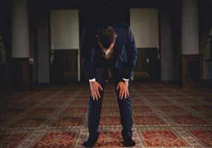 لماذا لا تجوز الصلاة إلا باللغة العربية على عكس بقية الديانات؟