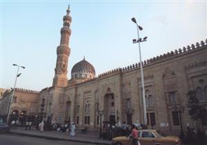 بدء احتفالية ذكرى ليلة النصف من شعبان في مسجد السيدة زينب