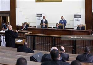 """غدًا.. """"الجنايات"""" تُحاكم """"بديع"""" و12 آخرين في قضية """"أحداث مكتب الإرشاد"""""""