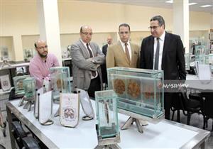 بالصور.. رئيس جامعة المنصورة يتفقد أعمال امتحانات الفصل الدراسي الثاني