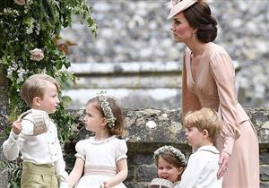 """بالصور- كيت ميدلتون تتصرف كـ """"أم مصرية"""" في حفل زفاف شقيقتها"""