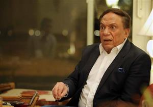 """عادل إمام: خطاب الرئيس السيسي هو الأجرأ.. و""""اشمعنى الفرنساويين ضربوا ليبيا"""""""