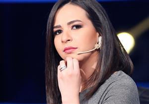 إيمي سمير غانم تنفعل بسبب سؤال من غادة عادل عن طبيعة مرضها