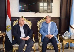 وزير الري يصل البحر الأحمر لمتابعة إنشاء سدود إعاقة السيول