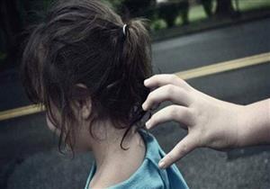 اختطاف طفلة بميدان التحرير.. والتحريات: بائعتان حاولتا اجبارها على التسول