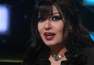 """فيفي عبده ترد على انتقاد هشام عباس لها: """"احنا مش فرقة عوالم"""""""