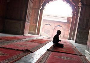 بالفيديو: قصة عجيبة تبين أثر الصلاة في حفظ الله للعبد