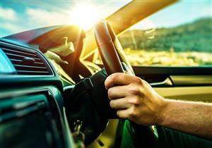 """خبراء السيارات ينصحون بـ""""شرب المياه"""" للوقاية من حوادث السيارات"""