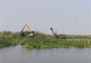 بالصور.. استمرار أعمال تطهير بحيرة المنزلة في بورسعيد